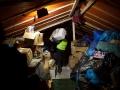 Hrvaška, Opatovac, 17.10.2015, 17. oktober 2015 Šotor kjer prostovoljci zbirajo oblačila, čevlje in dekne za Begunce v popisnem centru Opatovac. Foto: Matej Pušnik