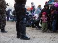 Begunci v Rigoncah čakajo na 12km dolgo pot do zbirnega centra v Brežicah