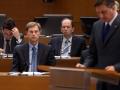 PV Miro Cerar posluša PD Boruta Pahorja med nagovorom Državnega zbora.