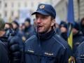 Ljubljana, Stavka policistov. Portret policista s piščalko na protestu policistov.