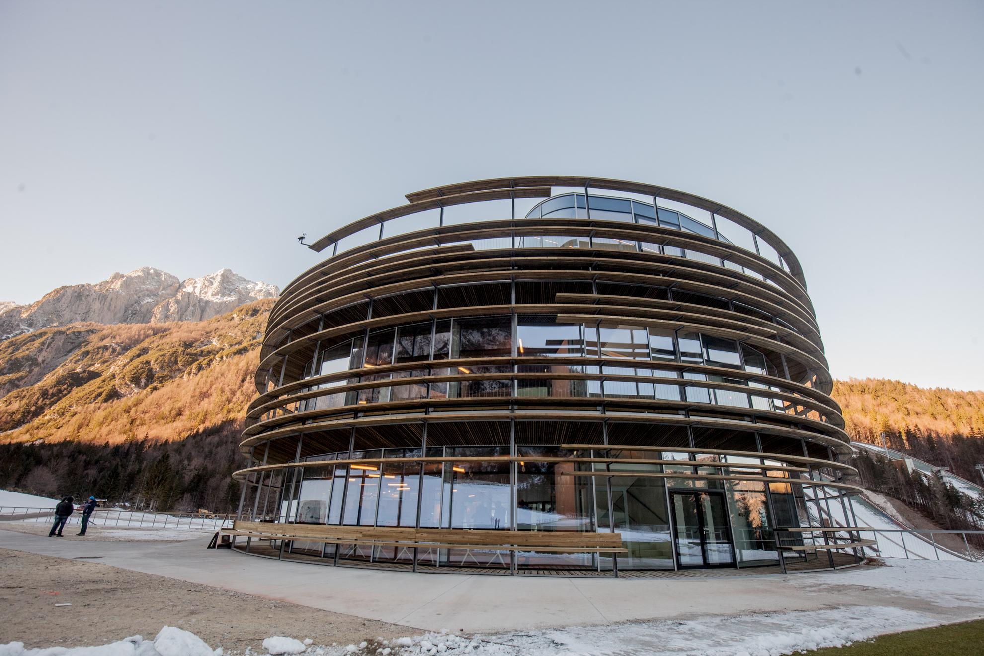 Planica. Otvoritev Nordijskega centra Planica in obisk vlade na gorenjskem. Nordijski center