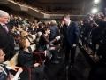 Ljubljana, Cankarjev dom, 07. 02. 2015, Podelitev Prešernovih nagrad in nagrad Prešernovega sklada. Borut Pahor čestita Cvetki Lipuš.