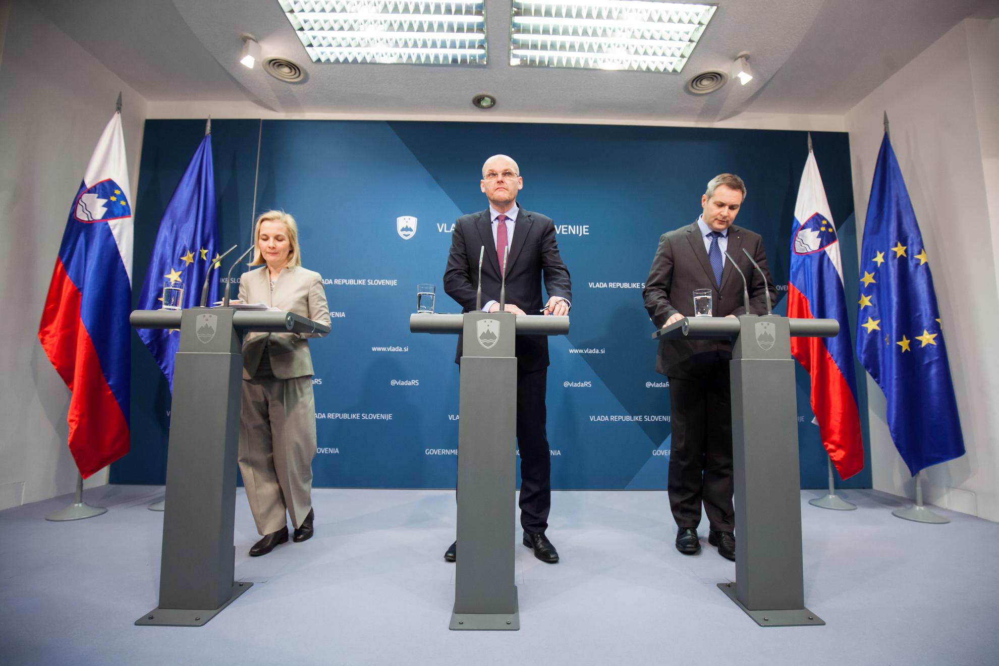 17. februar 2016, Tiskovna konferenca. Ministra Goran Klemenčič in Dejan Židan