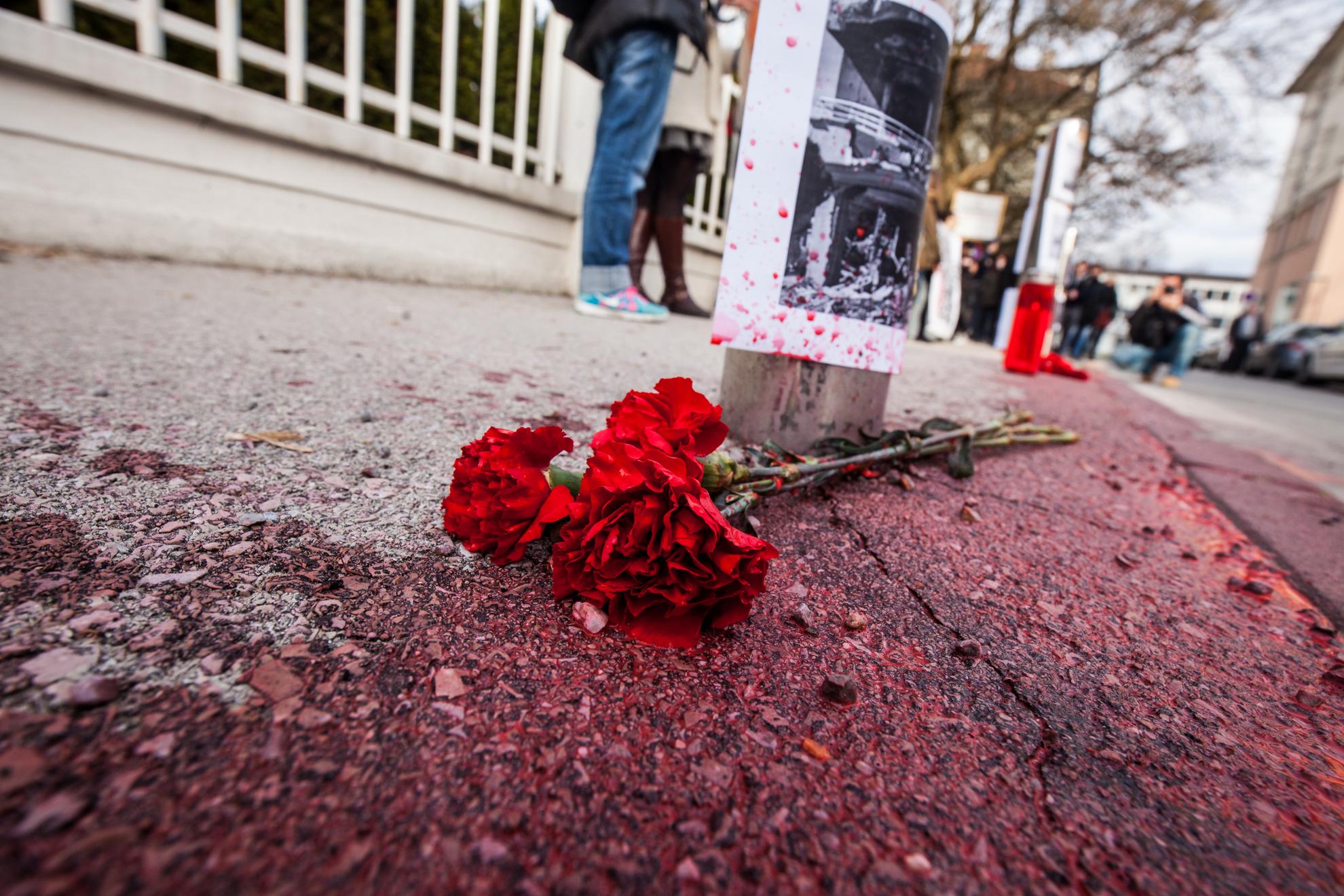 10. 03. 2016 Ljubljana. Prostestni shod pred turško ambasado v Ljubljani proti agresiji nad kurdi v Turčiji