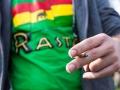 20. 04. 2016 Ljubljana, Park zvezda, Hašišarska fronta, bivši Marihuana marš. Prižgan joint / trava / marihuana.