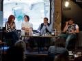 21. 05. 2016 Ljubljana, Pritličje. Katja Perat (v belem) se je p literaturi pogovarjala z Gabrielo Babnik, Emiljem Filipčičem in Dinom Baukom.