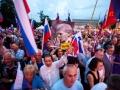 25.06.2016 Proslava VSO ob Dnevu državnosti. Poleg Janše, Krkoviča, Hojsa, Častne čete je bilo na proslavi kar nekaj zastav z domobranskim orlom. Podporniki