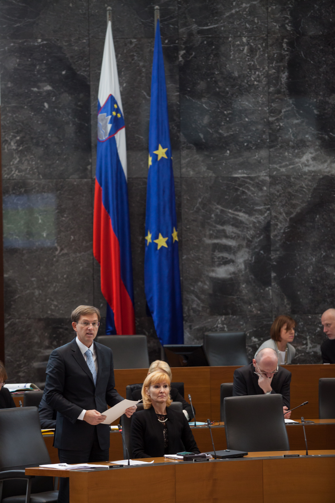 14.11.2016 Ljubljana, Državni zbor. Seja DZ s poslanskimi vprašanji predsedniku vlade Miru Cerarju in ministrski ekipi