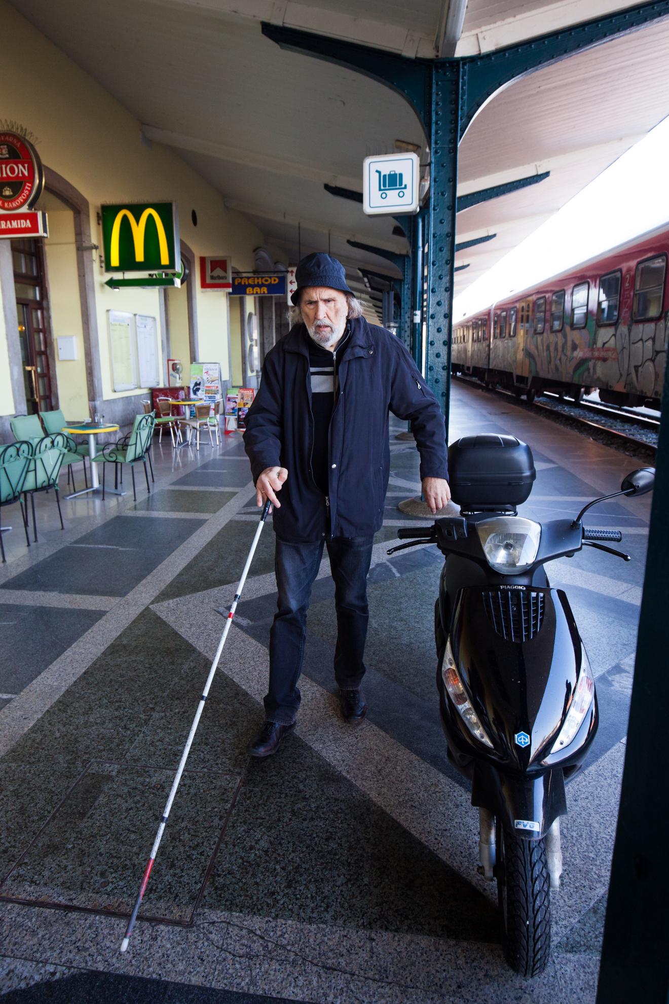 15.11.2016 Ljubljana. Osebe s posebnimi potrebami.