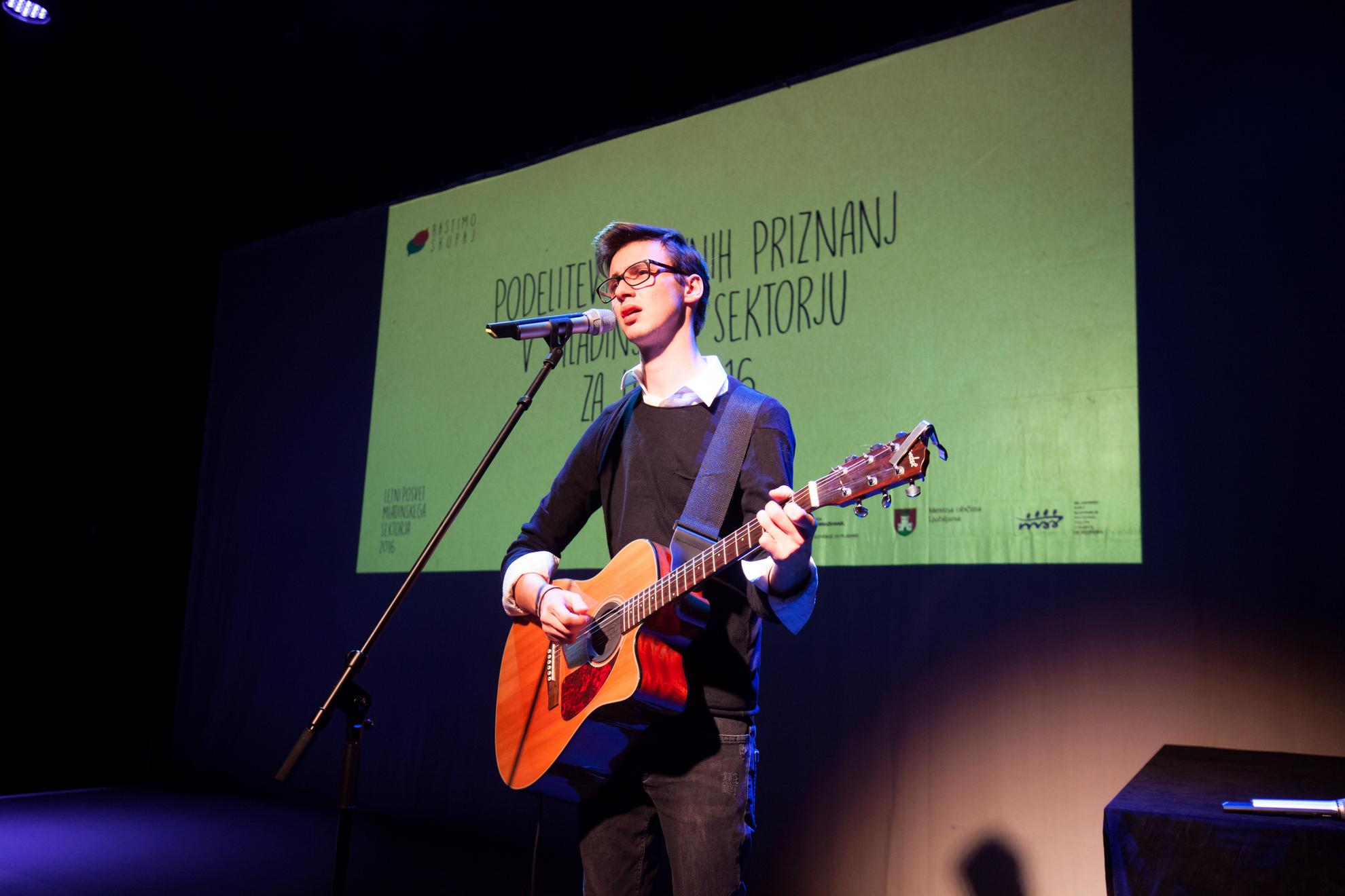 14.12.2016 Ljubljana, Oder pod zvezdami, Šentjakobsko gledališče. Posvet Mladinskega sektorja z URSM, MSS in UM MOL